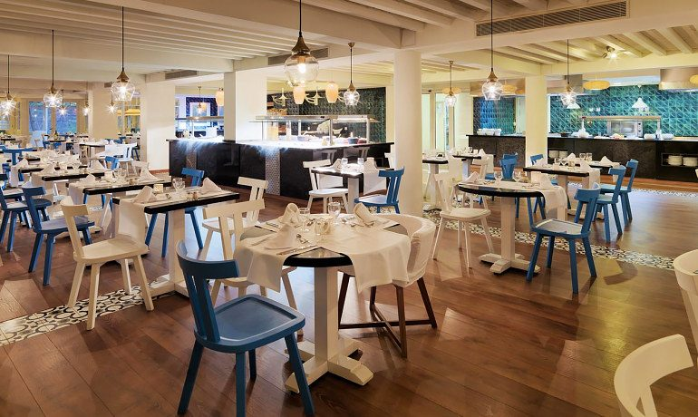 H10 Big Sur blue bay restaurant