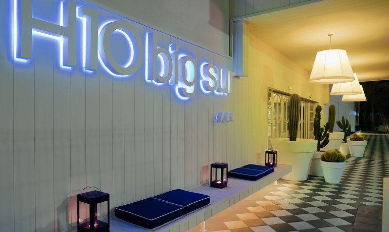 H10 Big Sur entrance