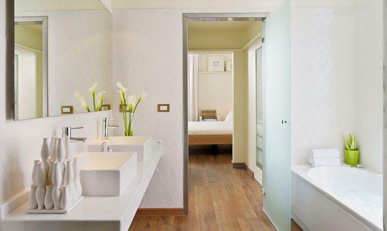 H10 Big Sur bathroom