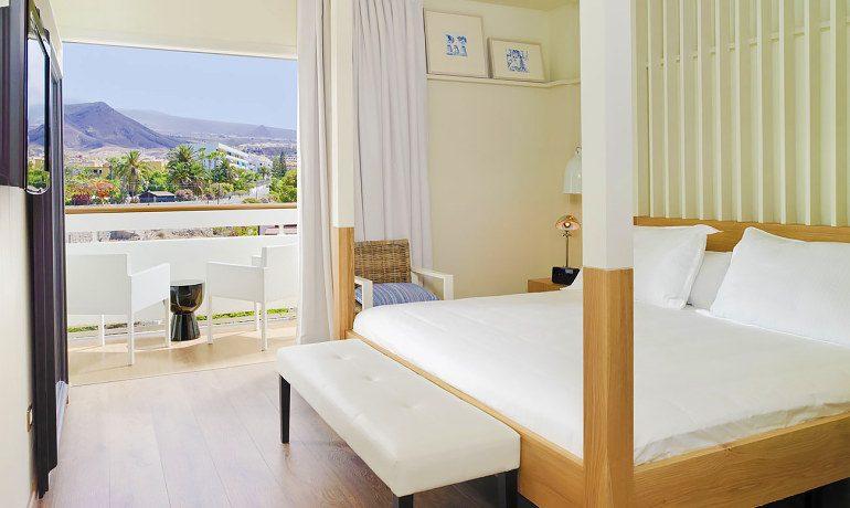 H10 Big Sur suite with balcony