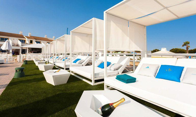 Casas del Lago Hotel balinese sun beds