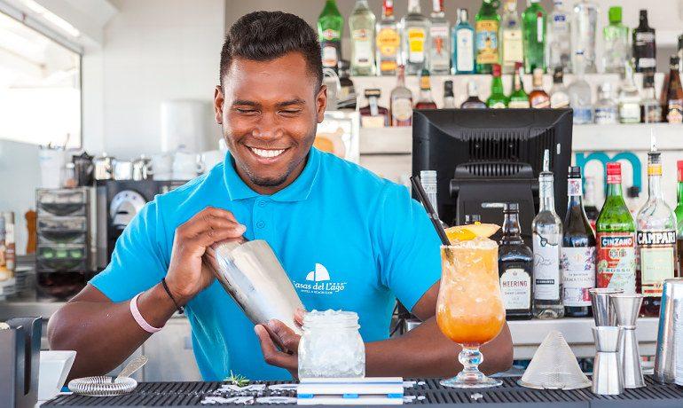 Casas del Lago Hotel bar cocktails