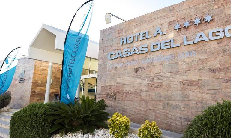 Casas del Lago Hotel entrance