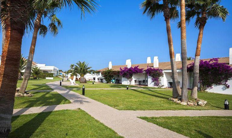 Casas del Lago Hotel gardens