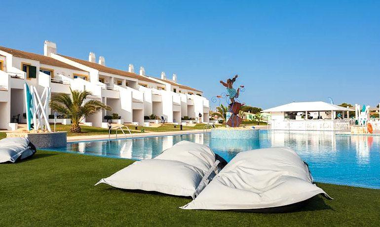 Casas del Lago Hotel pool area