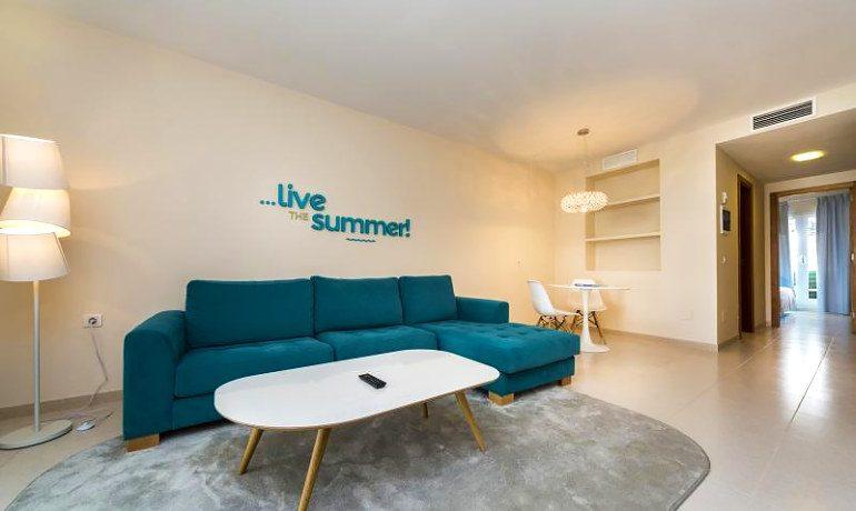 Casas del Lago Hotel suite living room