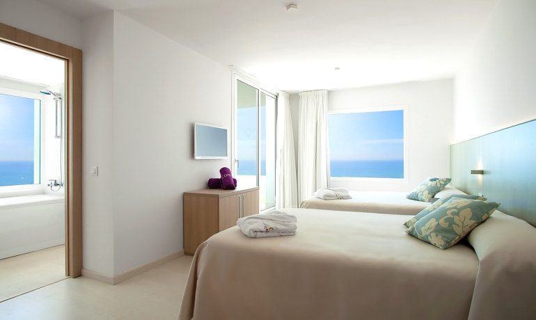 ALEGRIA Mar Mediterrania triple room