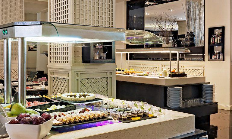 H10 Andalucía Plaza hotel cordoba buffet restaurant gastronomy