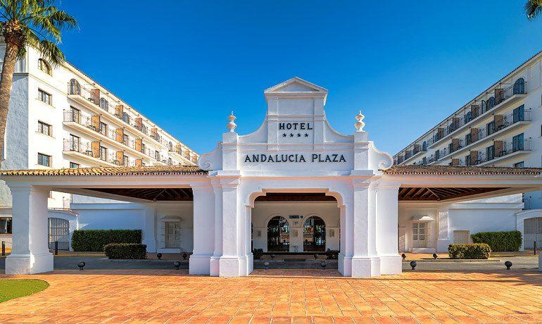 H10 Andalucía Plaza hotel facade