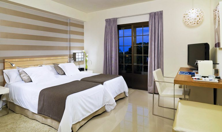 H10 Andalucía Plaza hotel privilege room