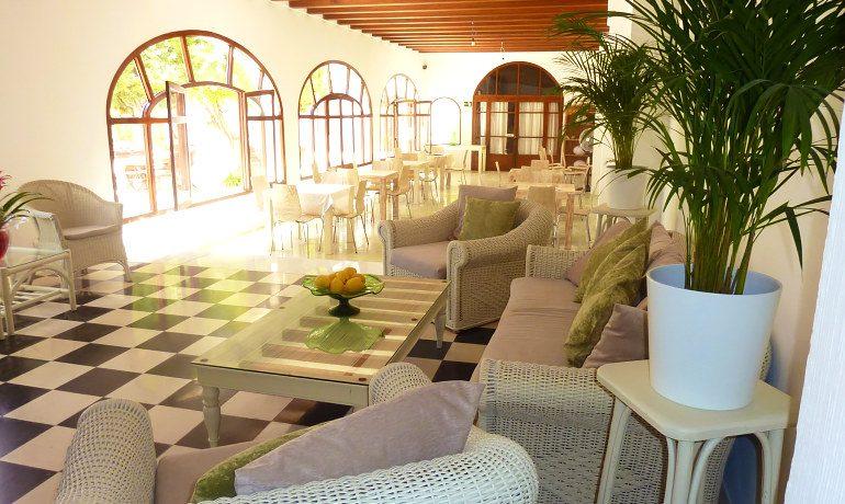 Hotel Ca´s Catala lobby area