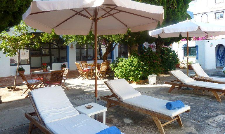 Hotel Ca´s Catala sunbeds