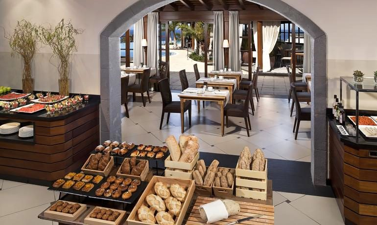 Melia Hacienda del Conde gastronomy