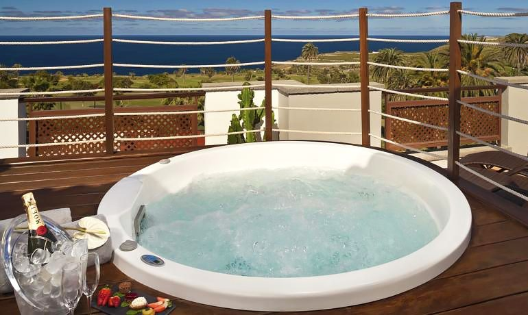 Melia Hacienda del Conde junior suite with whirlpool