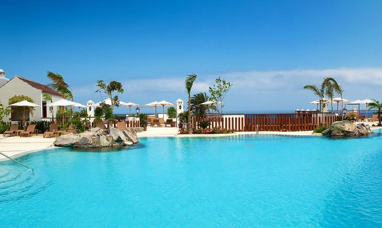 Melia Hacienda del Conde pool