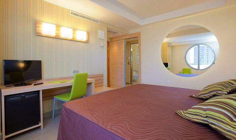 Riviera Beachotel Benidorm passion room