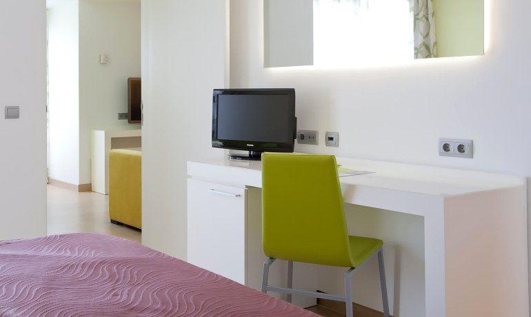 Riviera Beachotel room interior