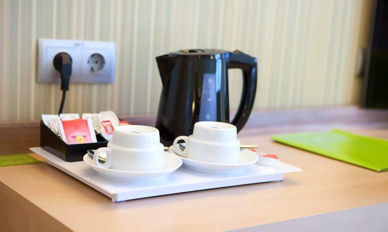 Riviera Beachotel tea and coffee facilities