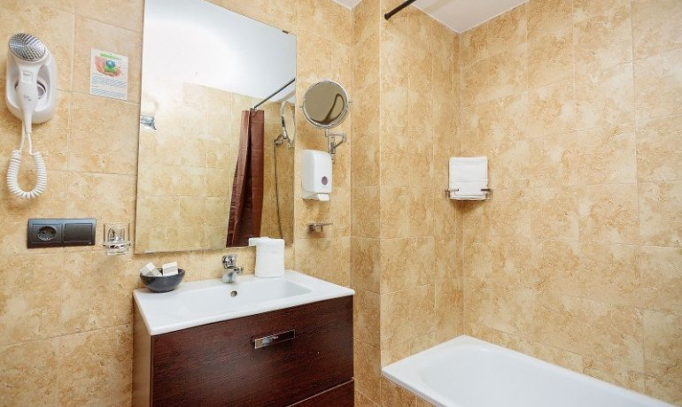 Sa Barrera hotel double room bathrom