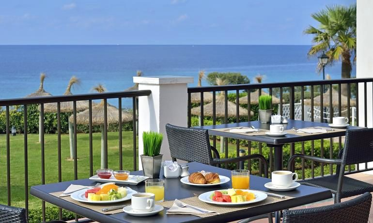 Sol Beach House Menorca tramuntana restaurant terrace