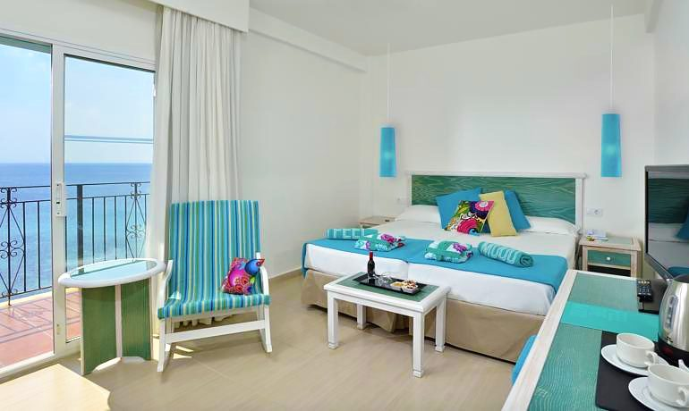 Sol Beach House Menorca xtra room with sea view