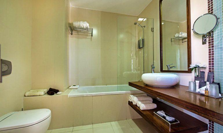 Aqua Pedra Dos Bicos bathroom