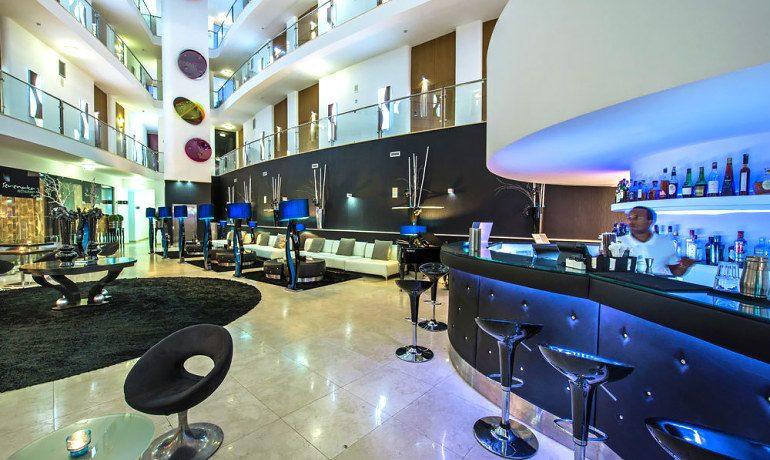Aqua Pedra Dos Bicos lounge bar