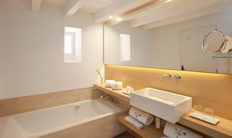Can Simoneta hotel beach house double room bathroom