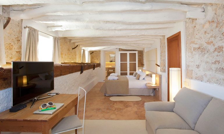Can Simoneta hotel beach house double room with terrace