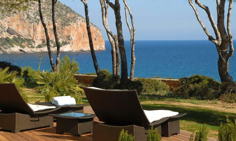 Can Simoneta hotel double room terrace