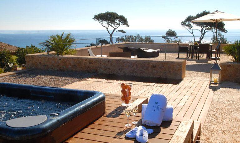 Can Simoneta hotel luxury suite terrace jacuzzi
