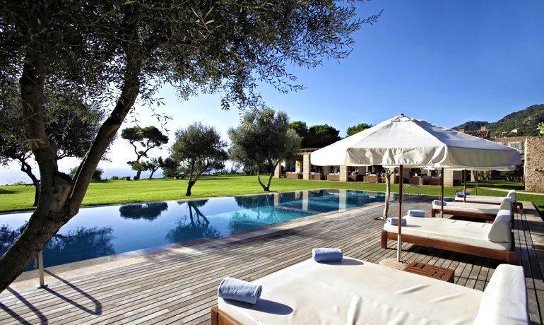 Can Simoneta hotel pool