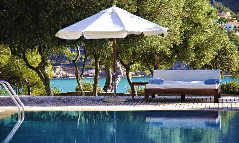 Can Simoneta hotel pool area