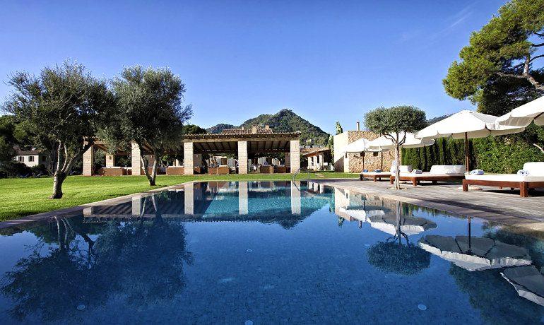 Can Simoneta hotel pool view