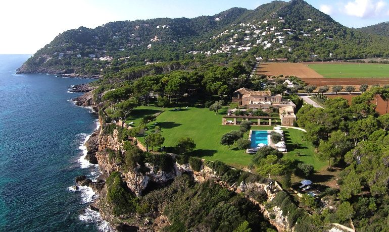 Can Simoneta hotel sky view