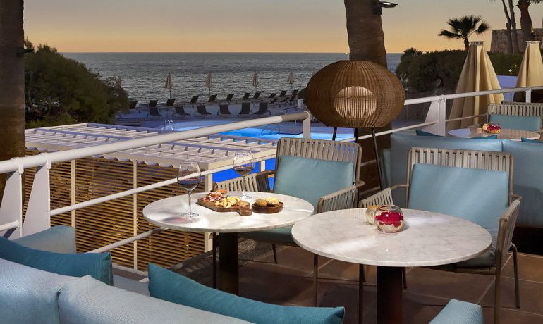Gran Melia de Mar snacks and wine