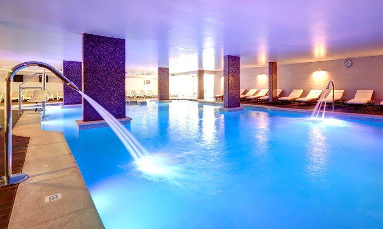 Hipotels Mediterraneo indoor pool