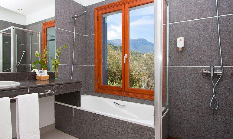 Hoposa Costa D'Or bathroom