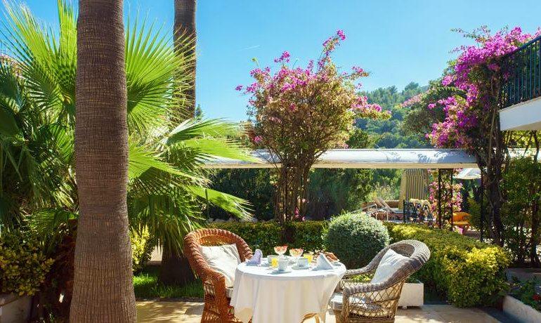La Moraleja Boutique Hotel breakfast in garden