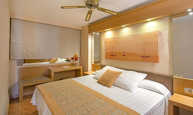 Iberostar Suites Hotel Jardín del Sol room