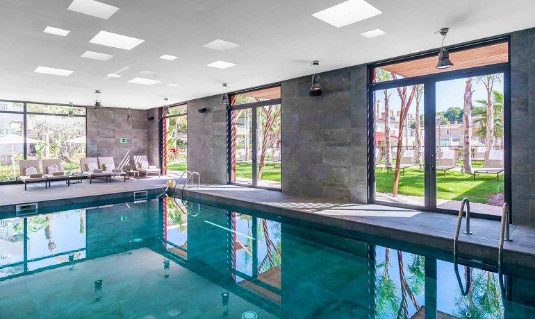 Pure Salt Garonda indoor pool