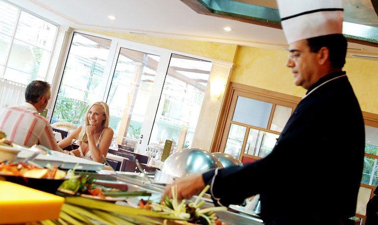 Vanity Hotel Golf adagio buffet restaurant
