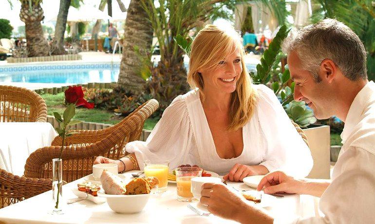 Vanity Hotel Golf breakfast
