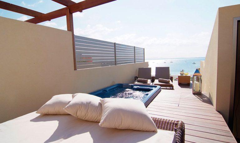 Vanity Hotel Golf room terrace