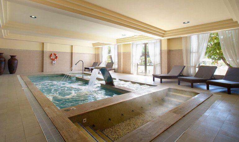 Vanity Hotel Suite & Spa indoor pool