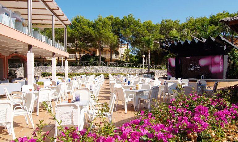 Vanity Hotel Suite & Spa palmira pool bar
