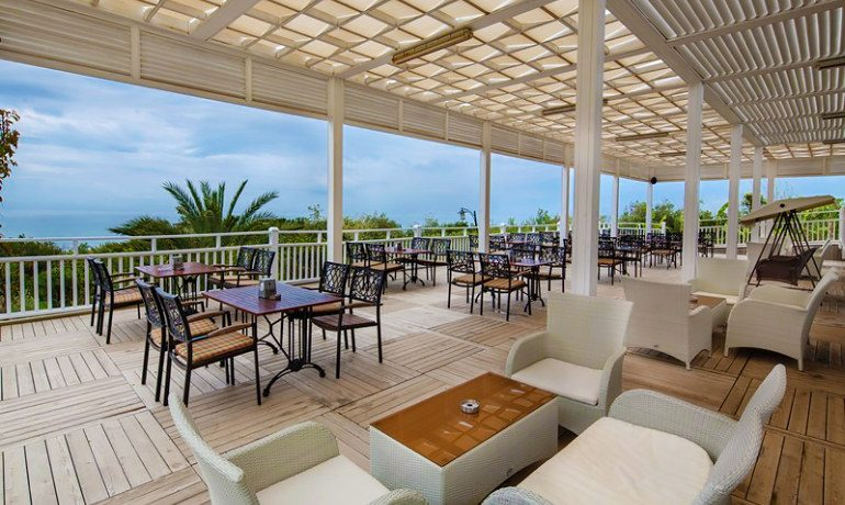Alba Royal Hotel bar lounge