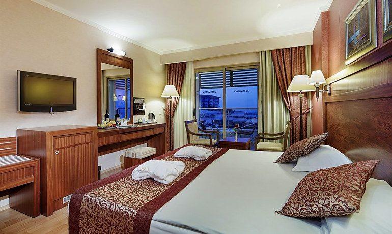 Alba Royal Hotel family room balcony view