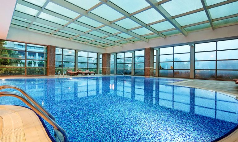 Alba Royal Hotel indoor pool