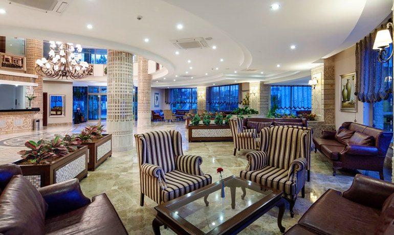 Alba Royal Hotel lobby area